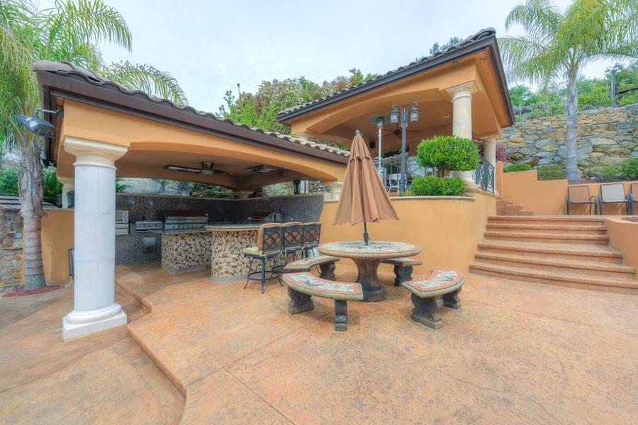 Outside Kitchen | 6005 Via Alicante Granite Bay