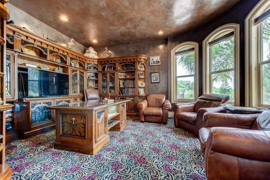 Traditional Elegance | Home Office | 6005 Via Alicante Granite Bay